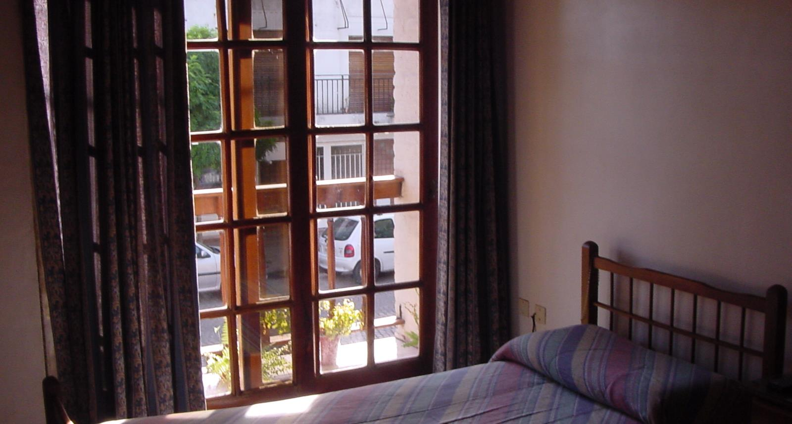 Dúplex en venta – Calle 12 e/69 y 70   Larrosa