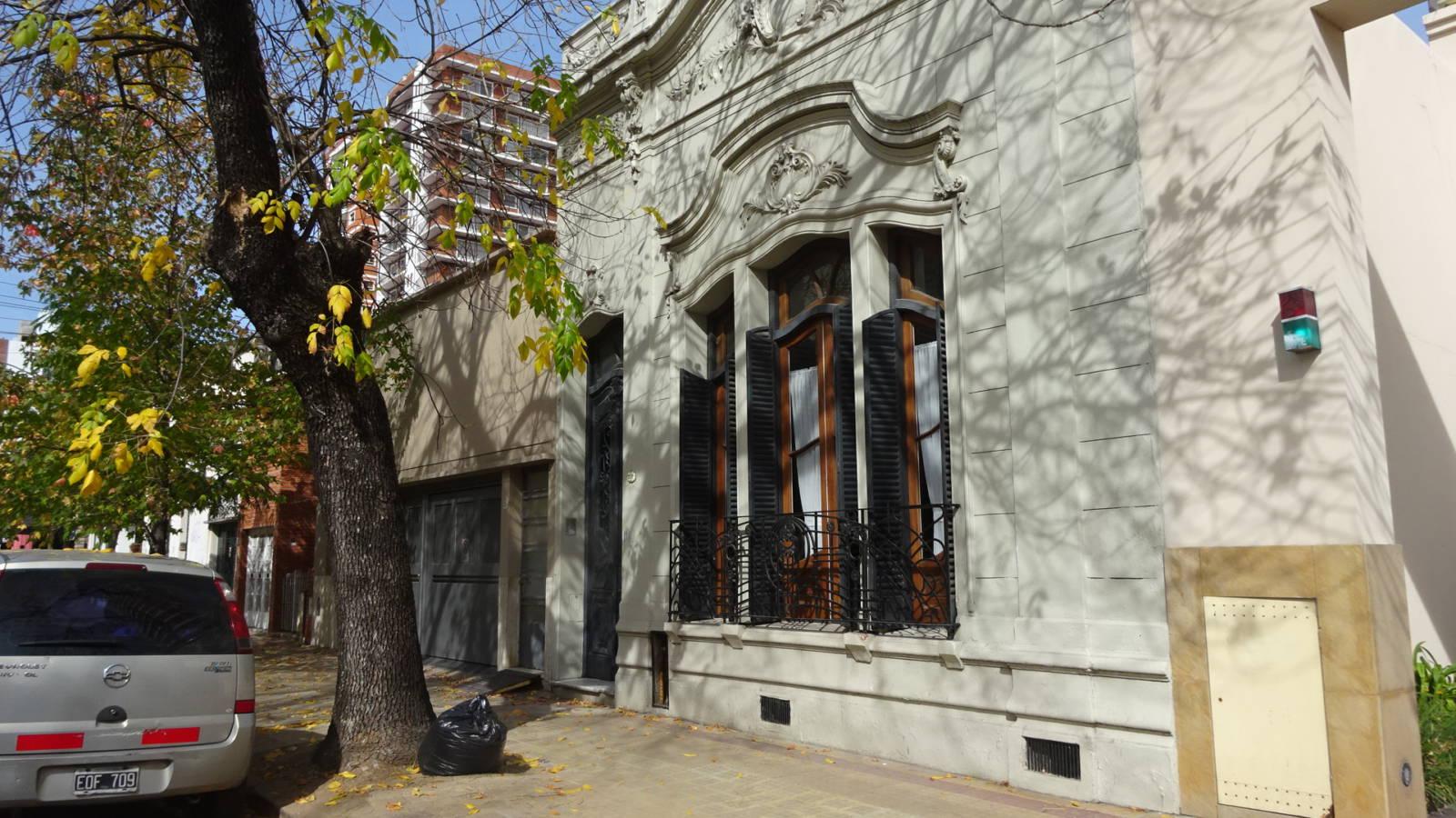 PH tipo casa en Calle 10 e/43 y 44 | Larrosa