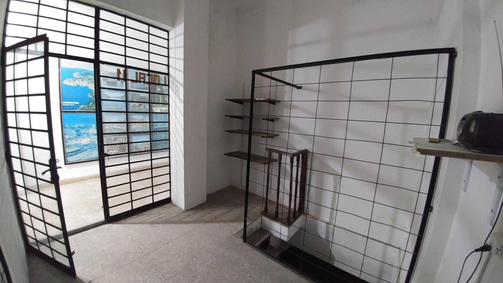 Local / Oficina en alquiler – Diagonal 74 esquina 8 – La Plata | Larrosa