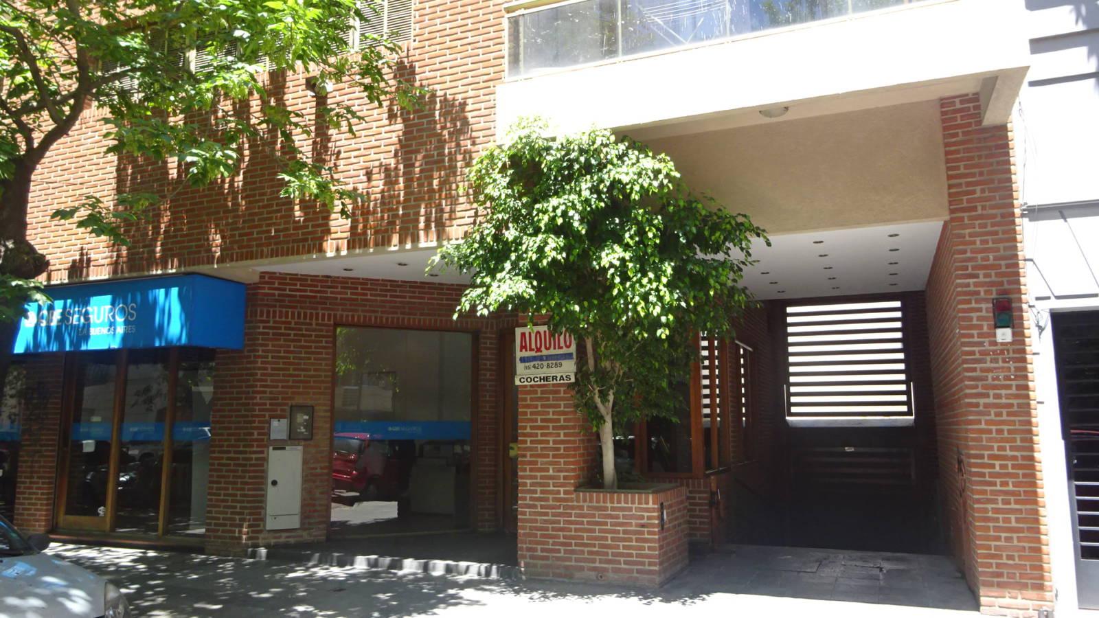 Cochera Cubierta En Venta Calle 11 E 43 Y 44 La Plata